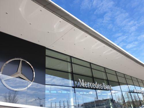 Mercedes Benz Márkakereskedés